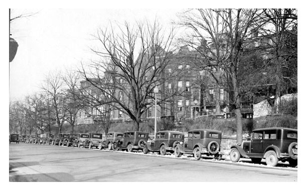 Massachusetts Ave. Terrace NW between 14th and 15th Sts., December 1929. Courtesy of the Washingtoniana Division, DC Public Library.